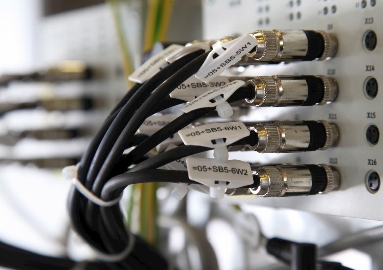 Kabel auf einem Hub